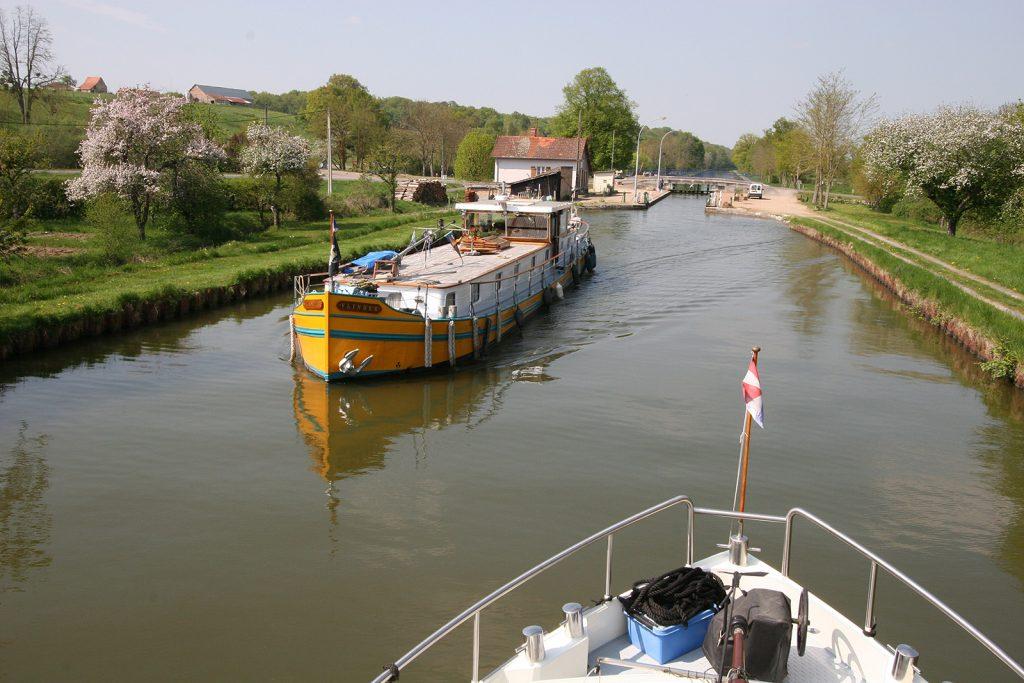 Begegnung auf dem Canal latéral à la Loire