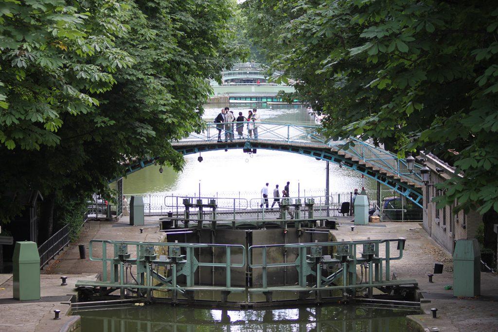 Die Doppelschleusen und Passerellen des Canal Saint-Martin