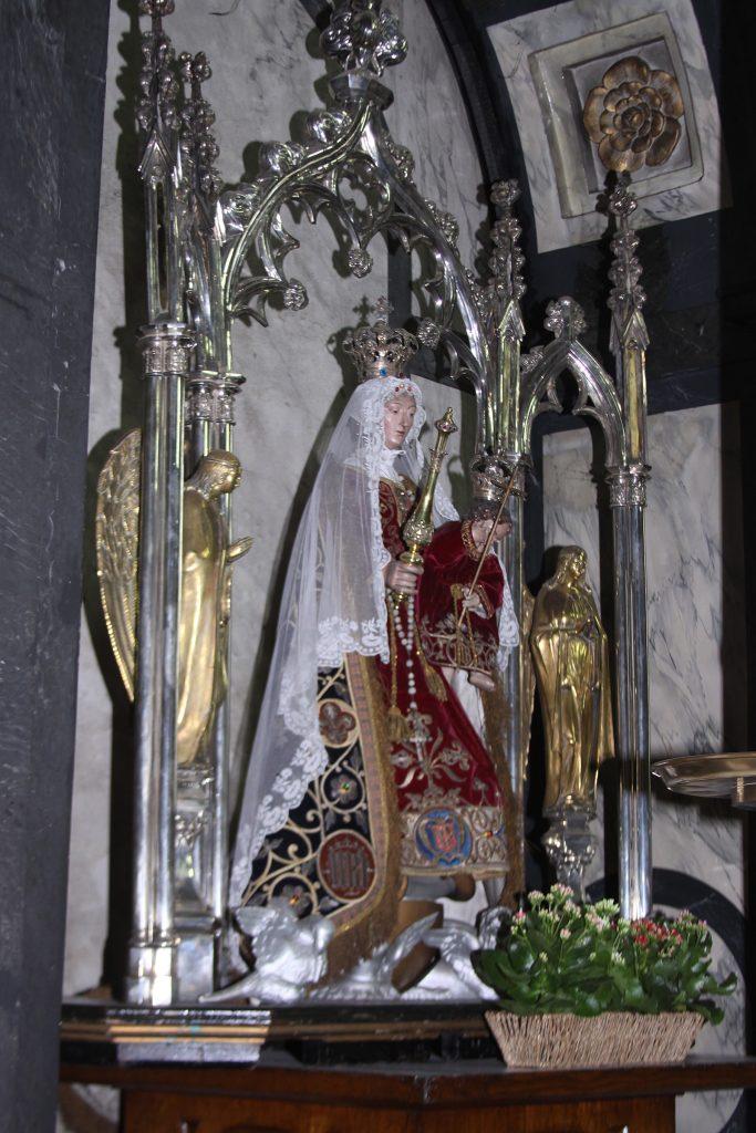 Eine prunkvolle Muttergottes in der Église Notre-Dame
