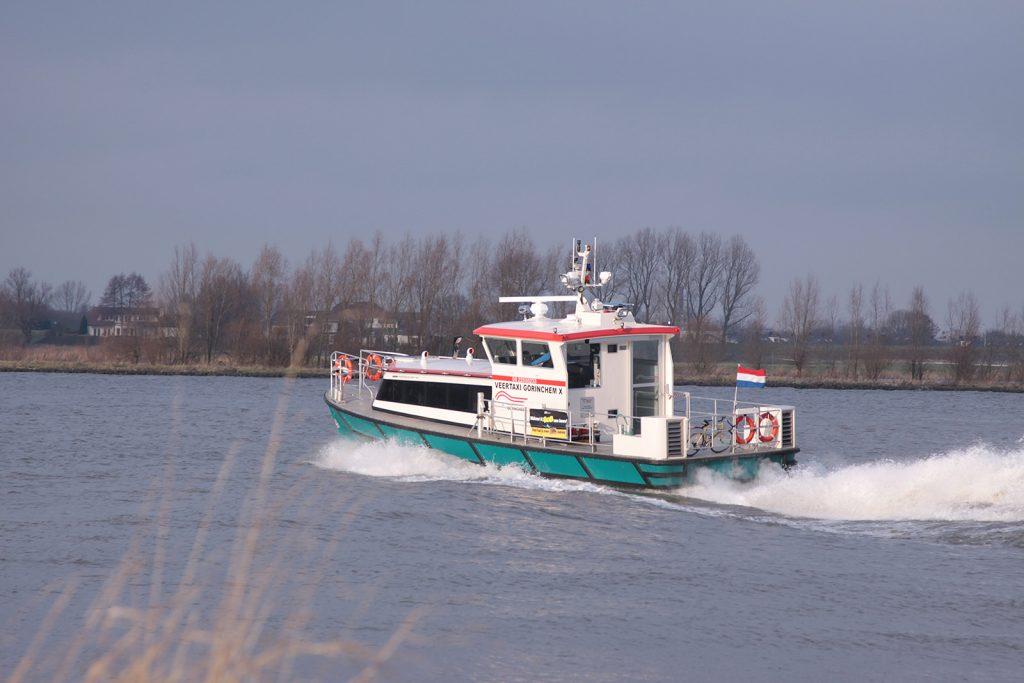 Unterwegs mit dem Wassertaxi auf dem Rhein