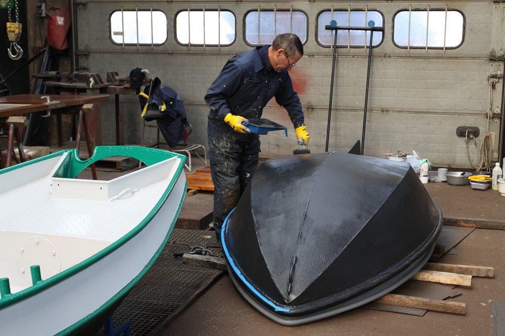 Unterwasser-Behandlung mit Shipcoat Haftgrund