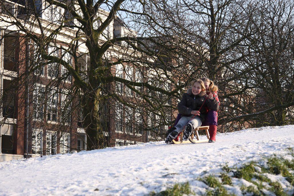 Ein Hügel zum Schlitteln findet sich sogar in den Niederlanden
