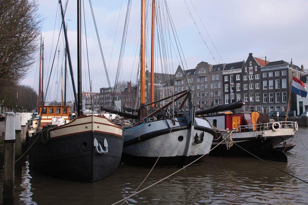 Historische Schiffe im Wolwevershaven Dordrecht