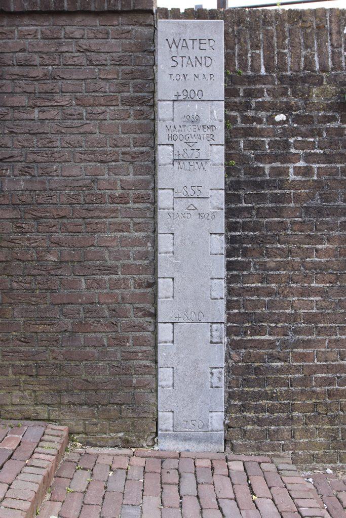Hochwassermarken in Wijk bij Duurstede
