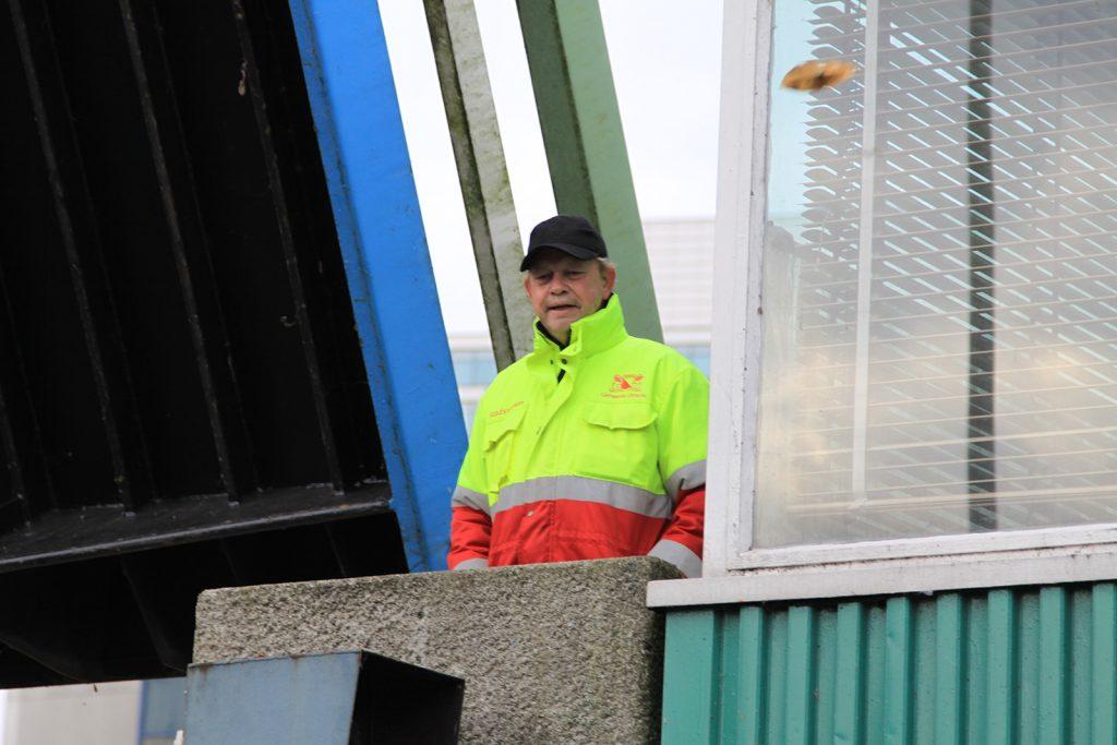 Die Brücken werden extra für uns gehoben- auf telefonische Vorbestellung
