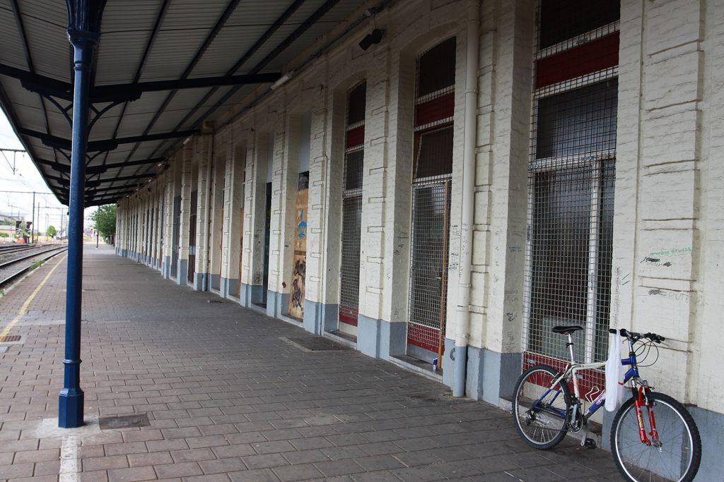 Der verwahrloste Bahnhof von Erquelinnes