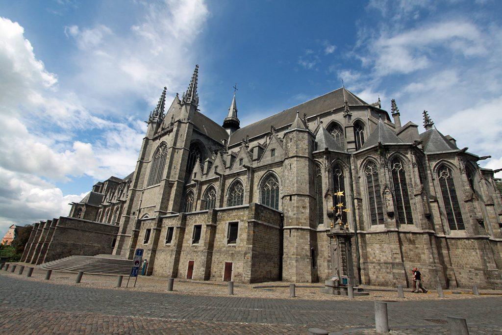 Die Stiftskirche der Heiligen Waltraud