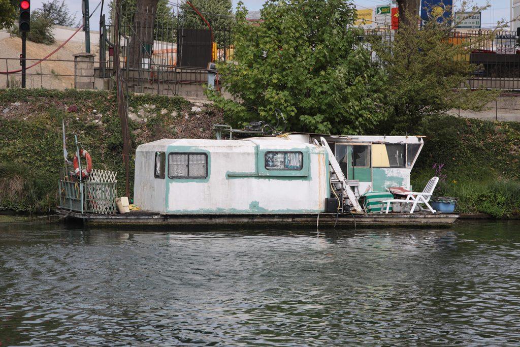 Wohnwagen oder Schiff?