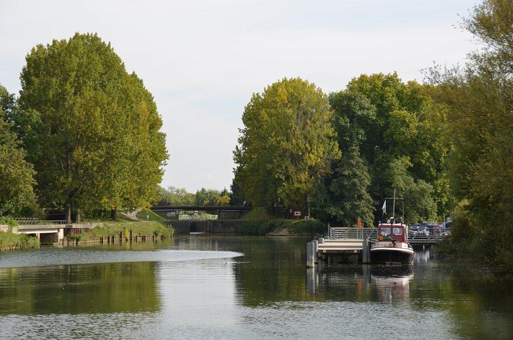 Der Halte fluviale von Moret sur Loing