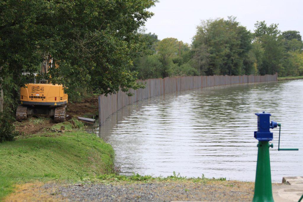 Unterhaltsarbeiten am Canal latéral à la Loire
