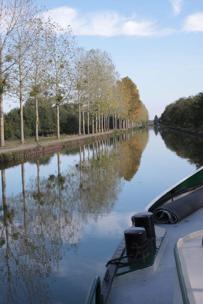 Der herbstliche Canal latéral à la Loire