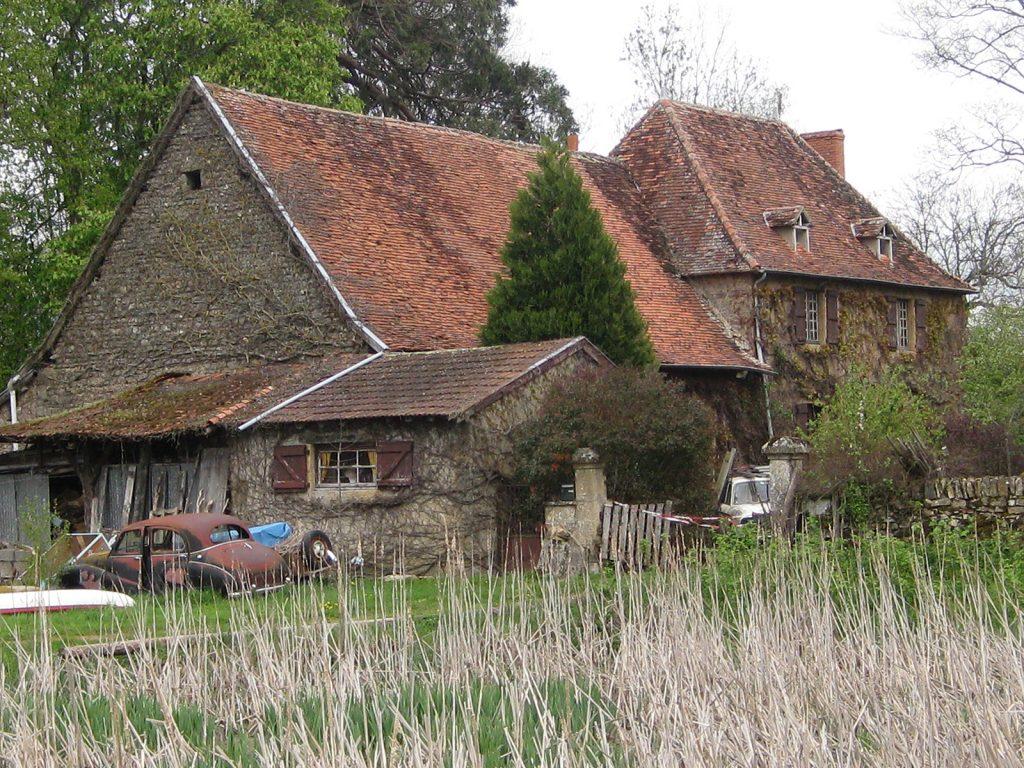 Ein Haus wartet auf Restaurierung