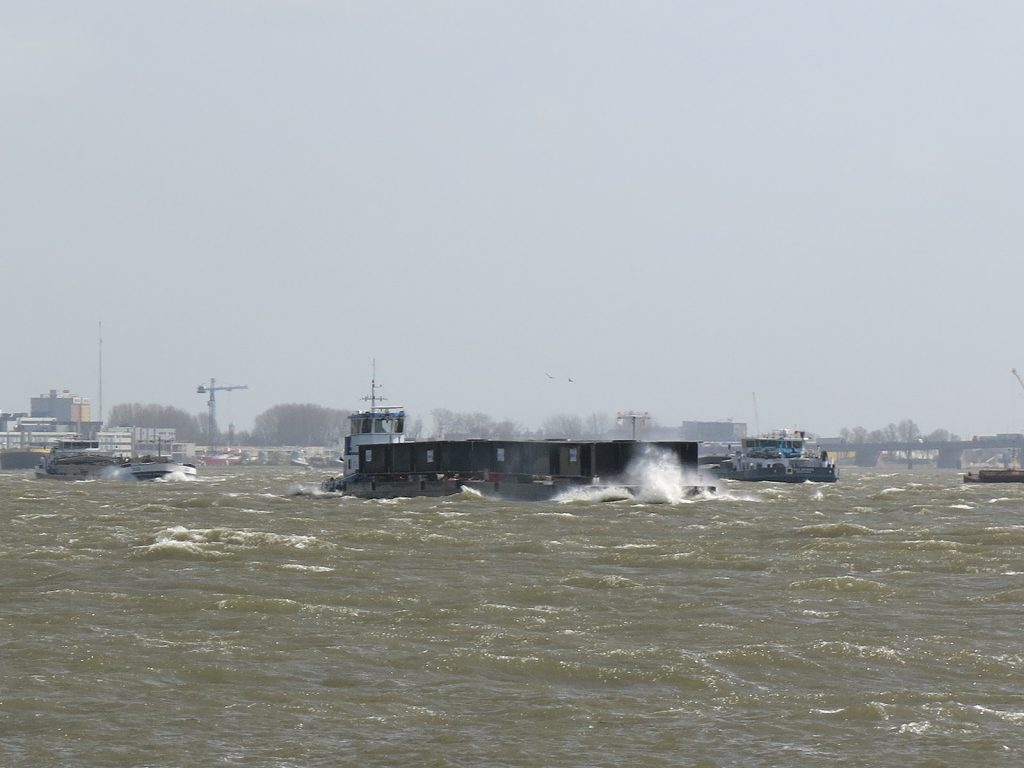 Bei Windstärke 6 unterwegs auf dem niederländischen Rhein