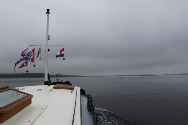 Das Gooimeer ist spiegelglatt
