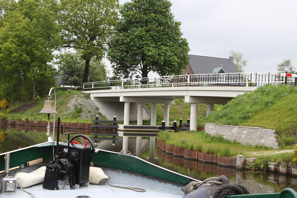 Einfahrt in den neuen Kanal
