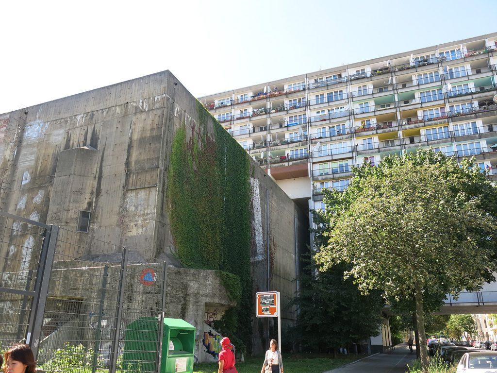 Der Hochbunker an der Pallasstrasse