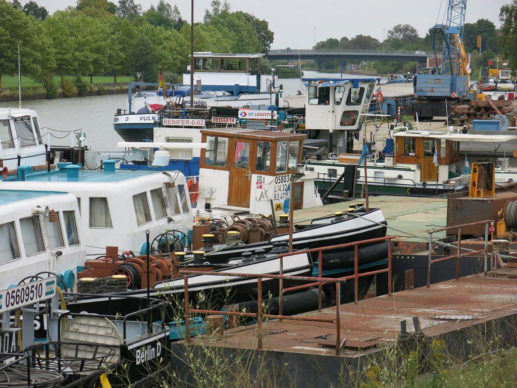 Zurück auf der Werft – Vexierbild: Wo ist Kinette? (Auflösung am Schluss des Berichts)