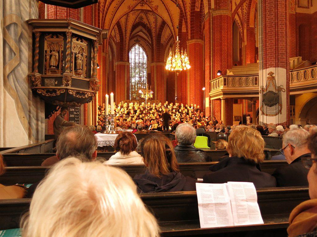 In der vollbesetzten St. Katharinenkirche Brandenburg