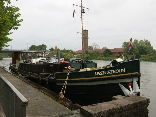 Die «MS IJsselstroom» am Passagierschiff-Anleger in Genthin
