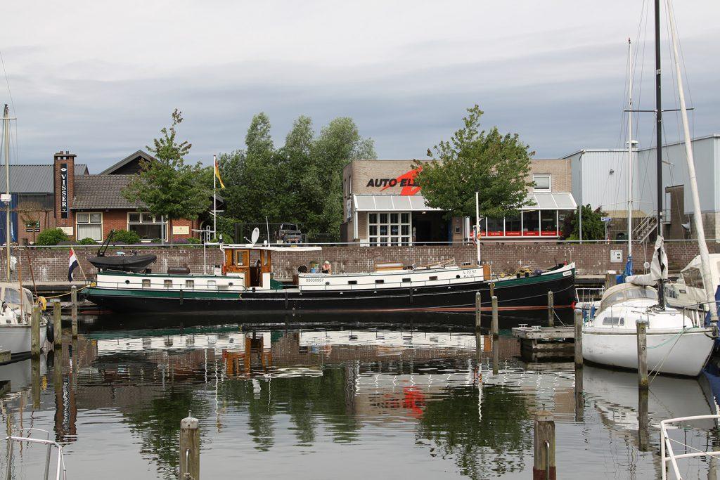 Im Gemeindehafen von Huizen