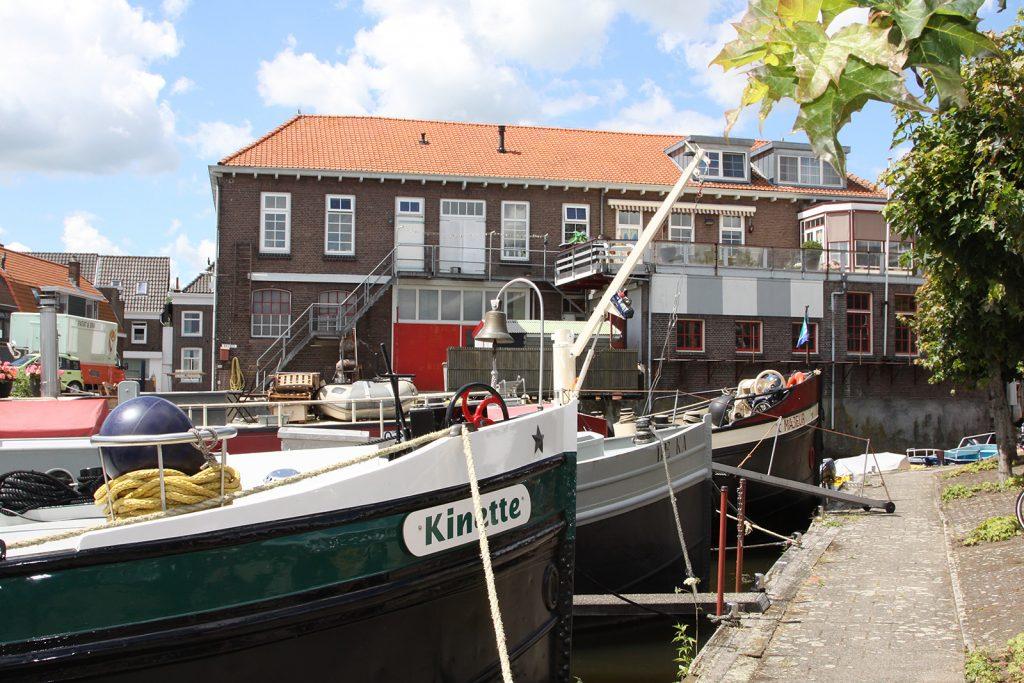 Kinette im Gemeindehafen von Meerkerk