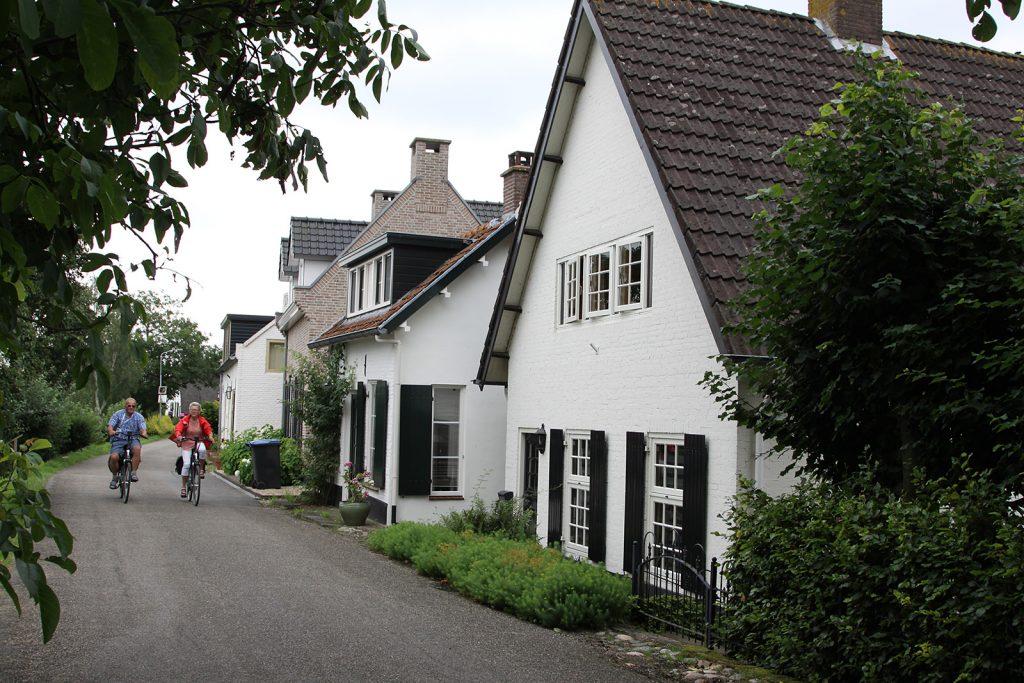 Eine Häuserzeile an der Linge – holländischer geht nicht!