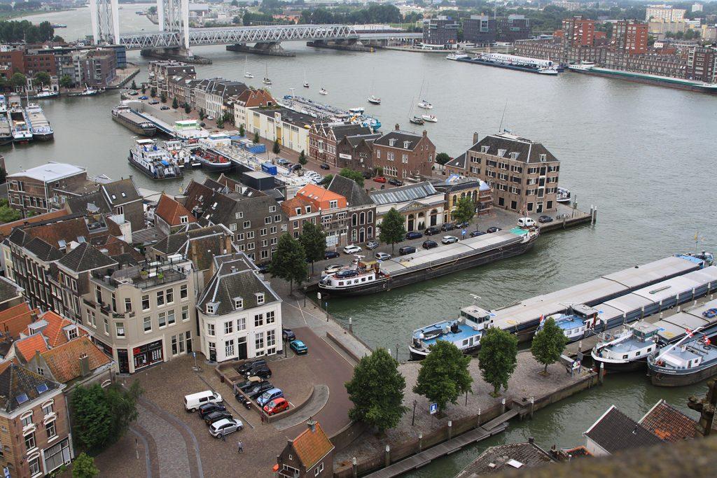 Kalkhaven (links im Bild) und Einfahrt ins Maartensgat (unten)