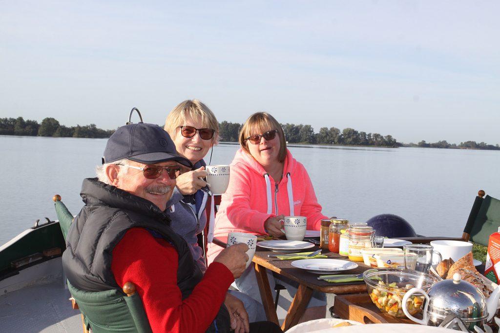 In Leeuwarden kommen Kuno, Christina und Lara Müller an Bord