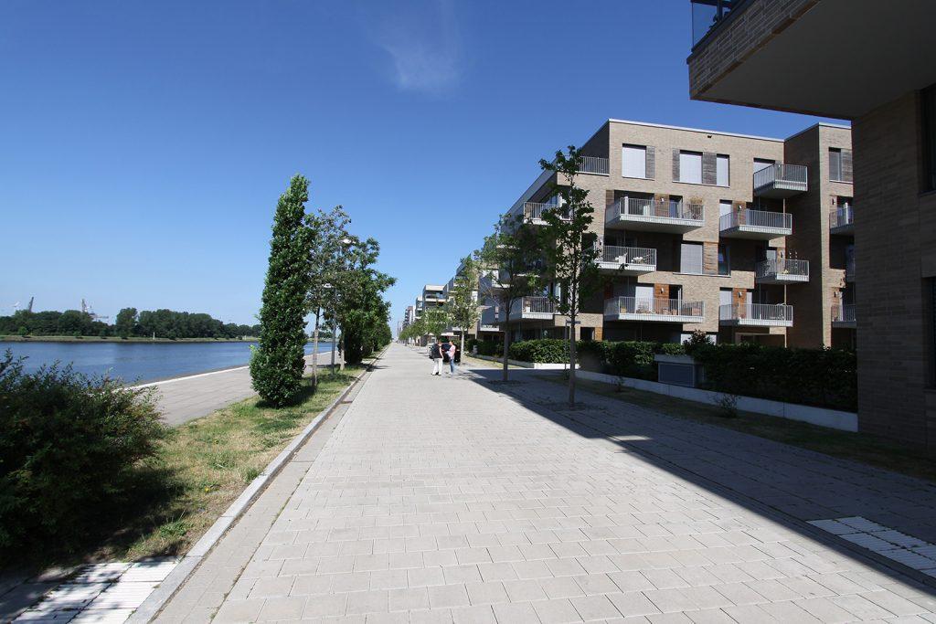 Wohn- und Geschäftshäuser in der «Überseestadt Bremen»