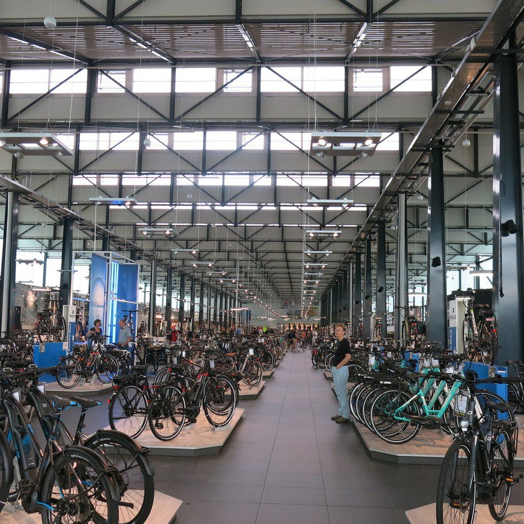 Angeblich das grösste Fahrradgeschäft Deutschlands