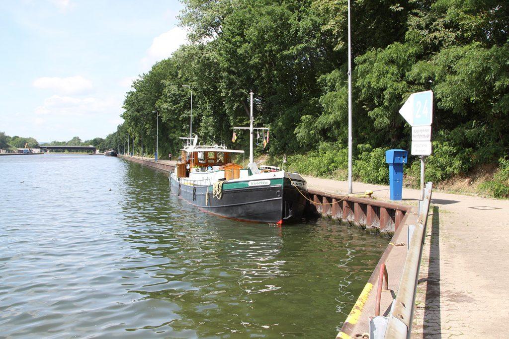 An der Kade der Berufsschifffahrt
