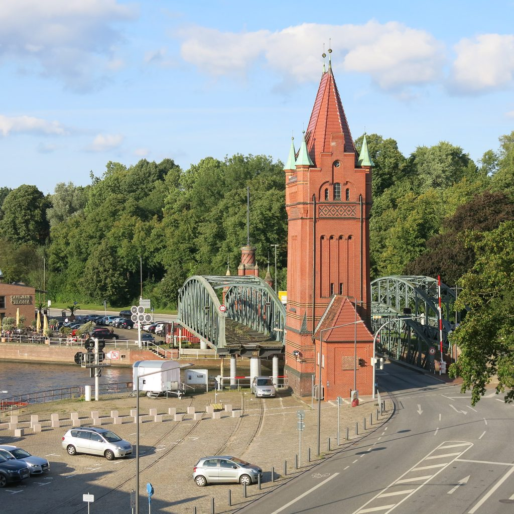 Lübeck mit Burgtorbrücke