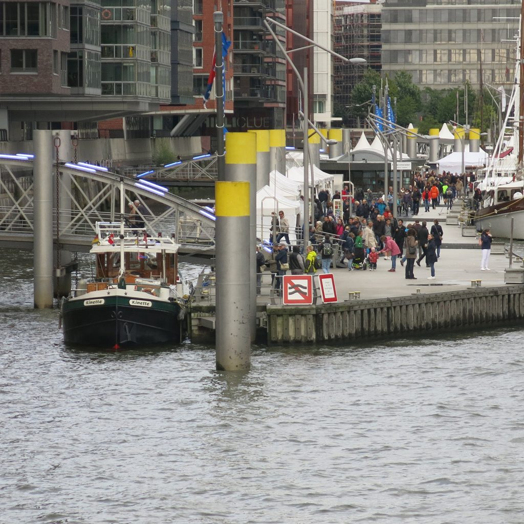 Der Traditionsschiffshafen im Sandtorhafen