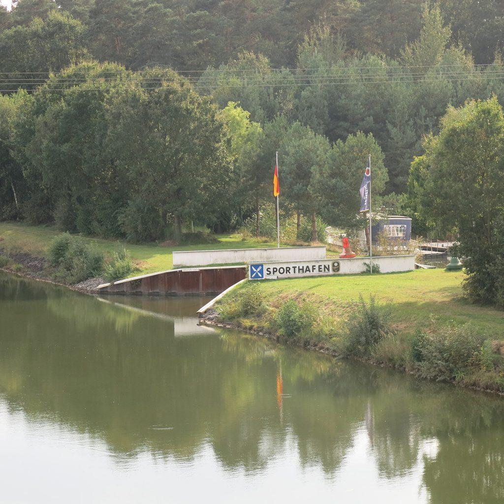 Die Einfahrt in den Sporthafen Wittingen