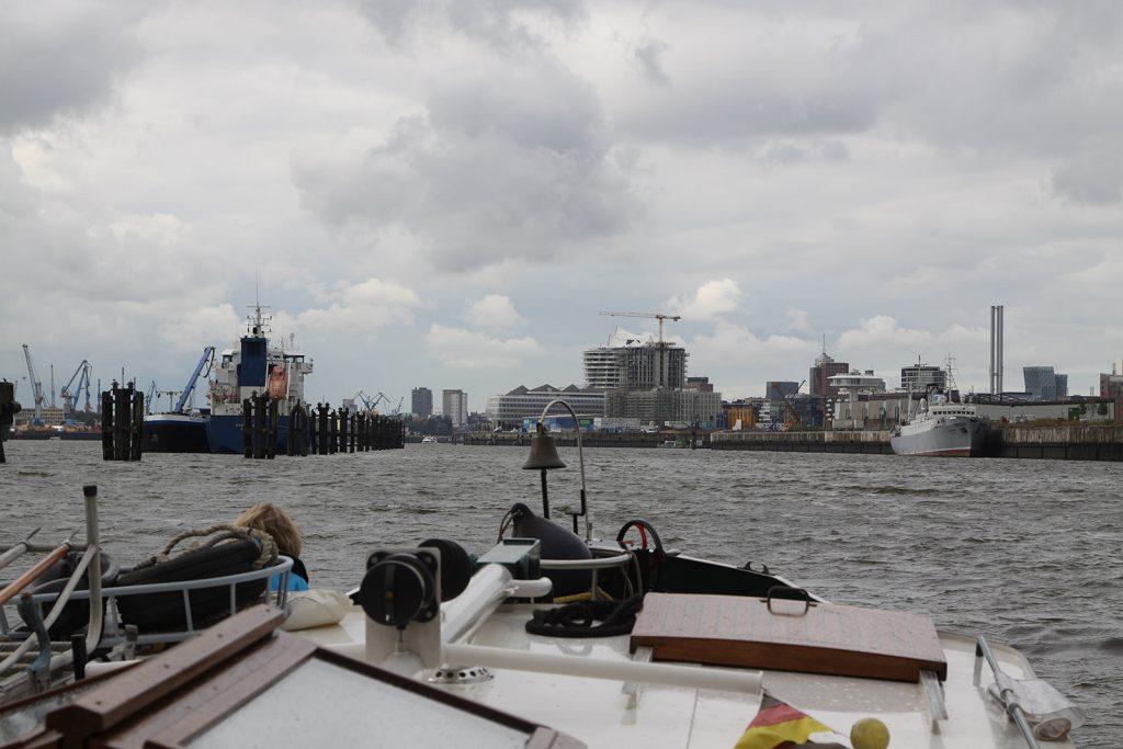 Einlaufen in Hamburg