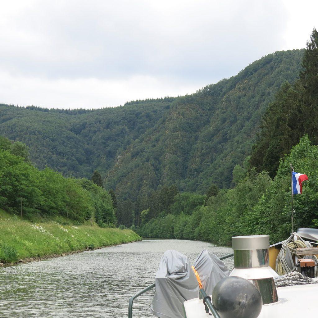 Unterwegs auf der Maas in den Ardennen