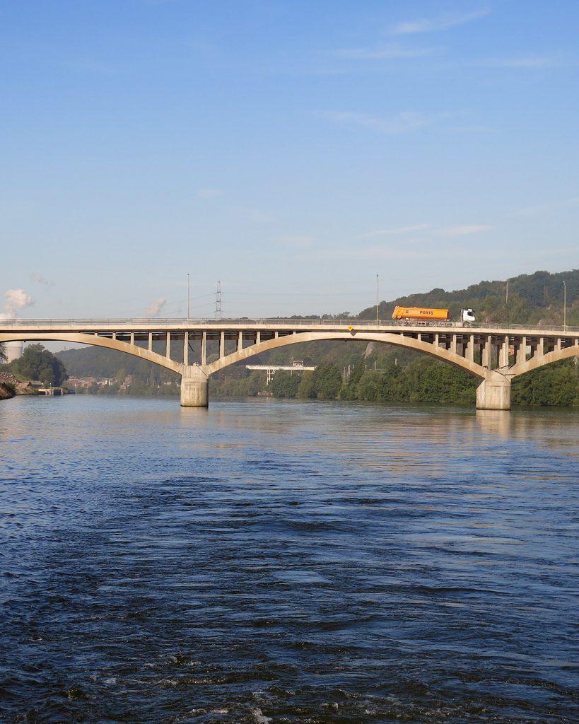 Brücke über die Maas